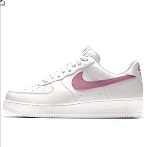 Comfy Nike shoes, trendy